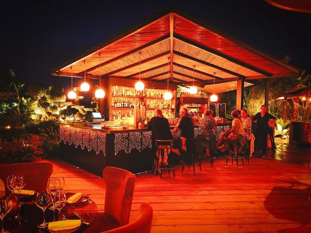 Eat, drink & dance: Jul's