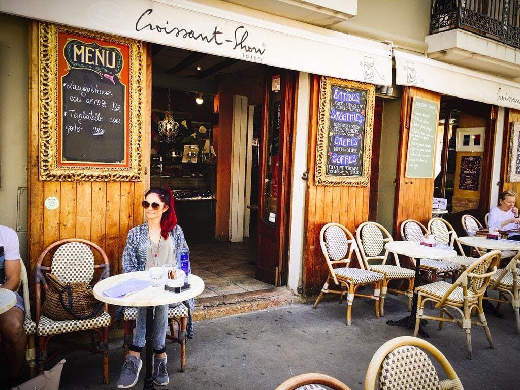 croissant show ibiza menu restaurant lunch stad
