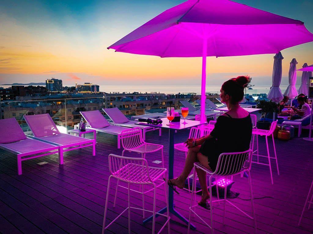 Cocktails en sunsets: Rooftop Nine