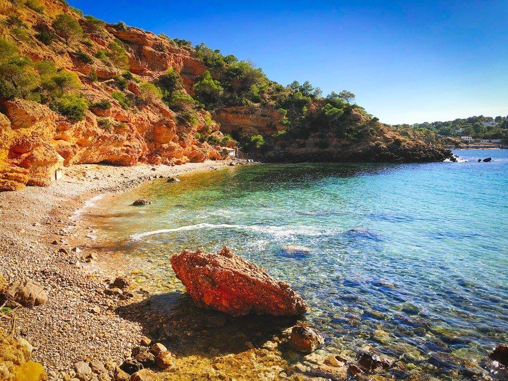 secret beach Cala es Cuco Ibiza playa secreta geheim strand