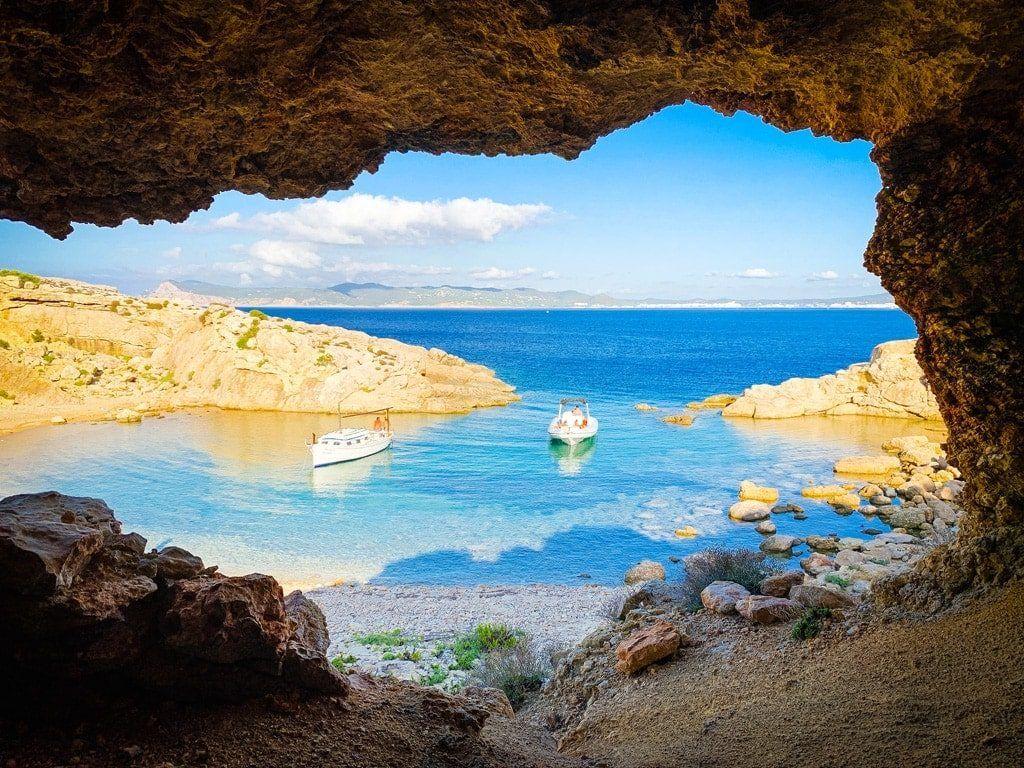 geheim strand baai secret beach ibiza illa conillera