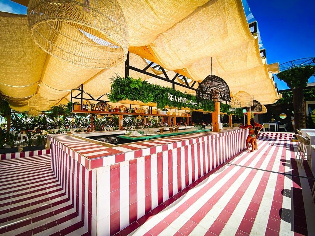 bam-bu-ku ibiza nieuw beach club strand bar