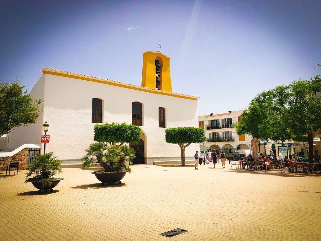 wat te zien santa gertrudis ibiza restaurants winkels dorp