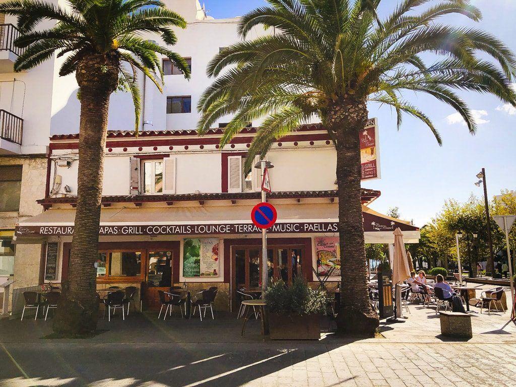 Can cosmi ibiza bar cafe